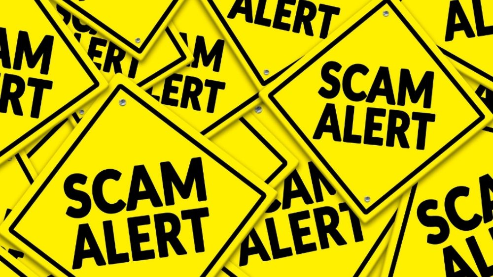 Scam alert text boxes indicating online scams